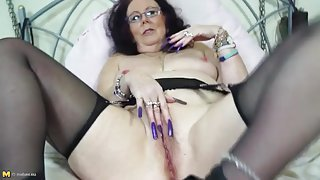Crazy long fingernails on a masturbating old lady