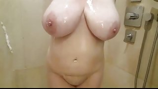Big natural  tits slut Lateshay