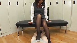 Legs OL Blame To Male Employees